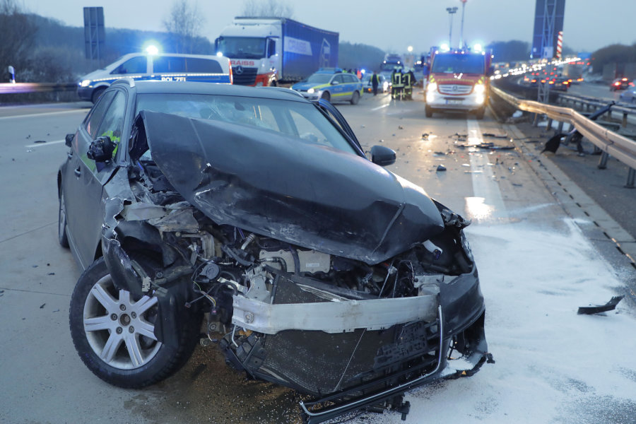 Drei Verletzte nach Unfall auf A 4 bei Chemnitz