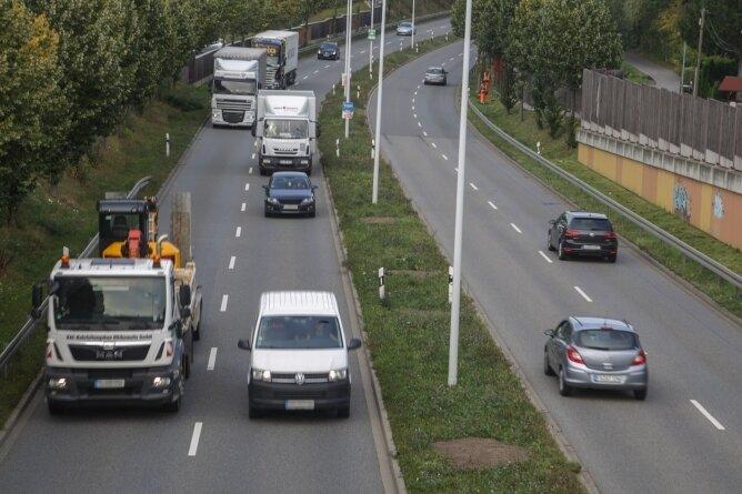 Auf dem Südring nimmt das Verkehrsaufkommen zu. Eine Verlängerung in Richtung Ebersdorf lehnen die Grünen ab.