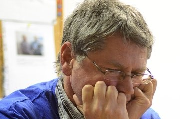 Schon am Ziel: Die Schachspieler des SV Motor Hainichen spielen auch künftig in der 1. Landesklasse. Uwe Leichsnering steuerte in acht Spielen 3,5 Punkte bei.