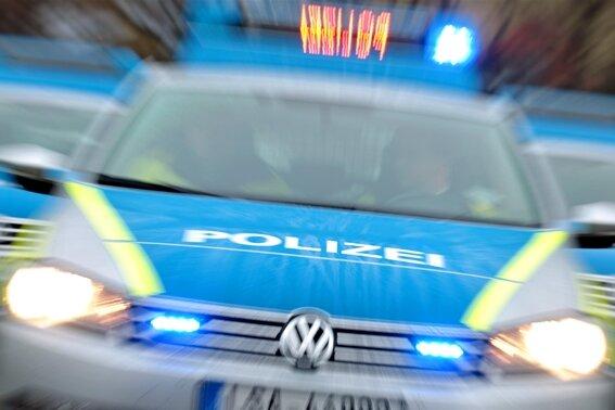 Nächtlicher Raubüberfall: Täter attackieren Auer Fußballfans