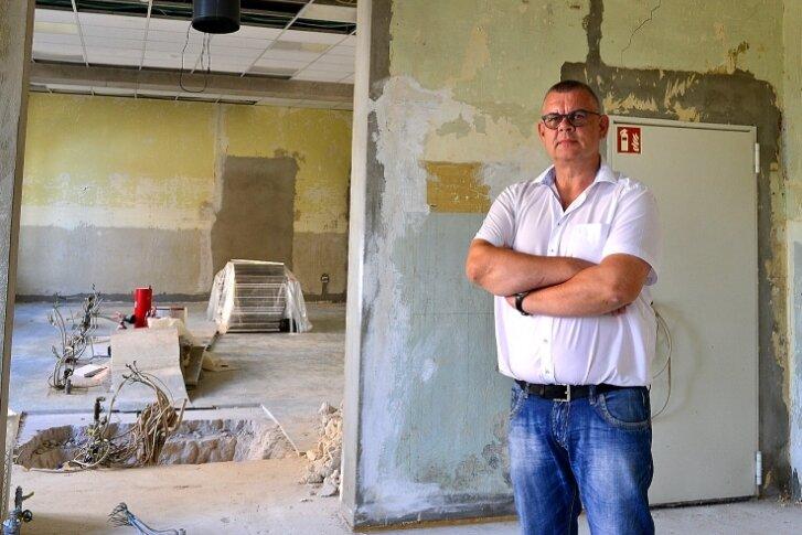 So sieht der Fachbereich Chemie im Erdgeschoss des Martin-Luther-Gymnasiums Frankenberg derzeit aus. Schulleiter Ingo Pezold hofft, dass im zweiten Schulhalbjahr hier wieder experimentiert werden kann.