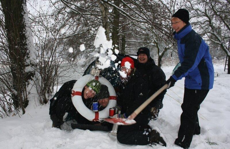 """<p class=""""artikelinhalt"""">Hatten viel Spaß im Schnee: Wintercamper aus Dresden, Leipzig, Thüringen und dem Erzgebirge. </p>"""