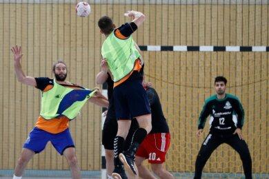 Beim Trainingslager des Handball-Oberligisten HC Glauchau/Meerane ging es am Wochenende in der Sachsenlandhalle intensiv zur Sache.