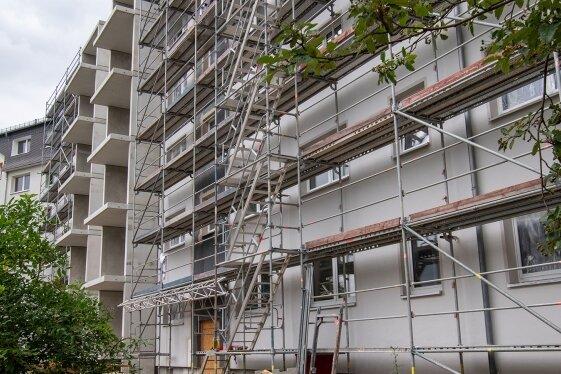 Im August wird der Umbau am Haus Smaragd abgeschlossen sein, ab Oktober sollen die ersten Mieter einziehen.