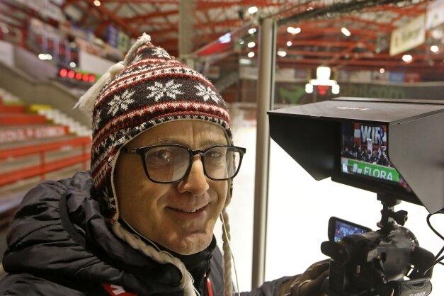 Ein Mitarbeiter von Sprade TV an der Kamera. Das Angebot wird gut angenommen.