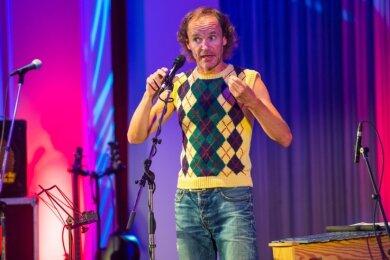 Olaf und wie er die Welt erklärt. In Aue sorgte der Comedian vor ausverkauftem Haus für Zwerchfellerschütterungen.