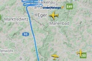Flugbild, das ein Flieger aus Salzburg über dem Vogtland zog. Die Flugbewegungen sind auf www.fligthradar24.com einsehbar.