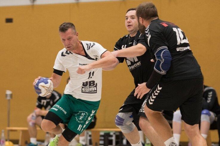 Starker Auftritt: Die Handballer der HSG II um Martin Steinfeld waren von der Rotation-Abwehr nur schwer zu stellen.