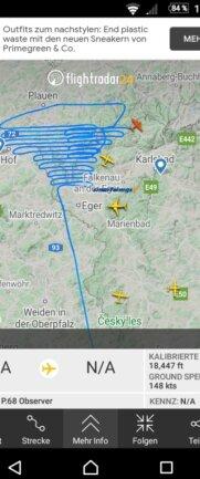 Flugbild, das ein Flieger aus Salzburg am Mittwoch über dem Vogtland zog. Die Flugbewegungen sind auf www.fligthradar24.com einsehbar.