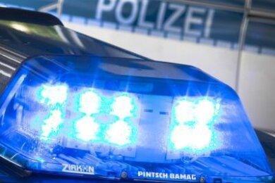 Als Polizisten am Donnerstagmorgen in Taura eine Frau festnahmen, machten sie in deren Wohnung an der Hauptstraße mehrere überraschende Entdeckungen.