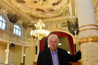 """Bürgermeister Dieter Greysinger im Festsaal """"Goldener Löwe"""" in Hainichen."""