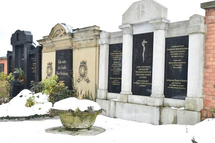 Der Friedhof in Oelsnitz ist der größte im Bereich der Kirchgemeinde.