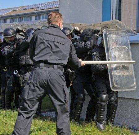 Vorbereitung auf den Ernstfall: Der Einsatzzug der Polizeidirektion Zwickau bei einer früheren Übung.