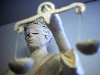 Ein Erzgebirger muss sich wegen Volksverhetzung verantworten. Vor Gericht erklärt er, wie seine Äußerung zu verstehen ist.