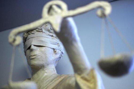 Neonazi-Tat: Justizbeamter angeklagt
