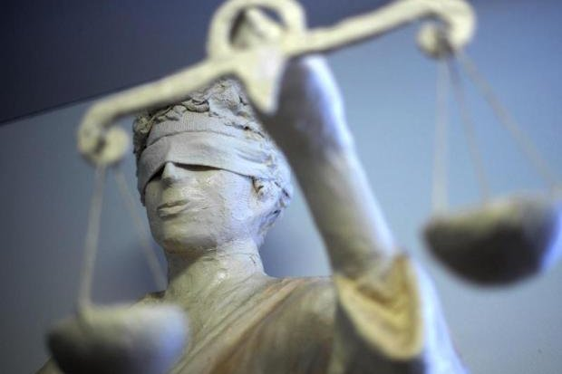 Tödlicher Radunfall: Gericht vergisst Ladung der Nebenkläger