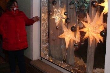 Ellen Kandts Fenster zieren viele Sterne.