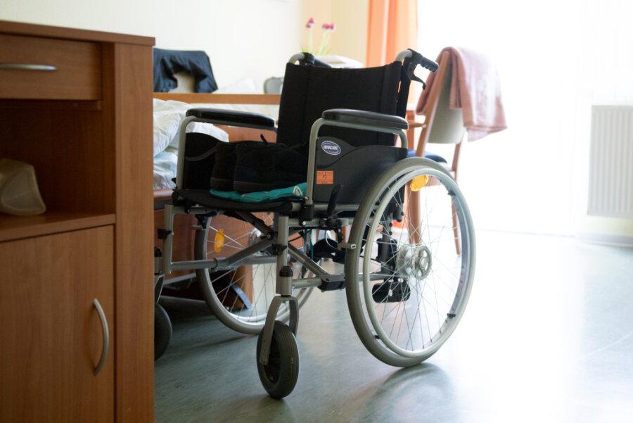 Kaum Bedarf - aber Pflegeheime müssen Doppelzimmer vorhalten