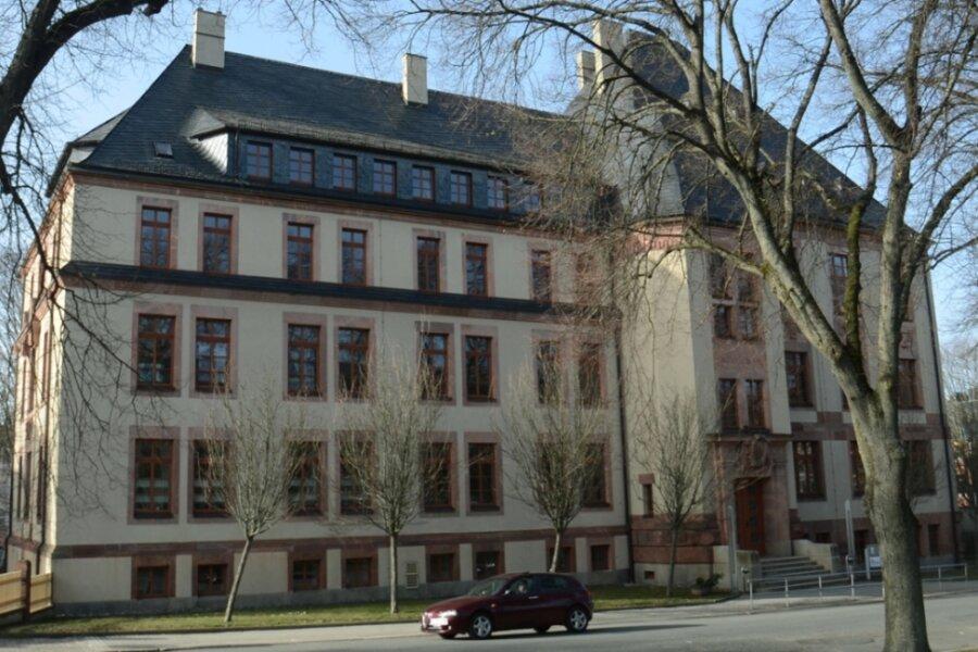 """Im Falkensteiner Teil des BSZ """"Anne Frank"""" sollen künftig vor allem Köche ausgebildet werden. Alle anderen Gastro-Berufe sowie die Frisörausbildung würden nach den jüngsten Plänen abgezogen."""