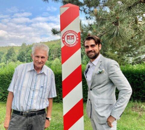 Tragen das Thema Umwelt- und Klimaschutz über den FC Lößnitz in den Fußball: Max Jankowsky, Geschäftsführer der ortsansässigen Gießerei, und Seniorchef Frank Kattermann.