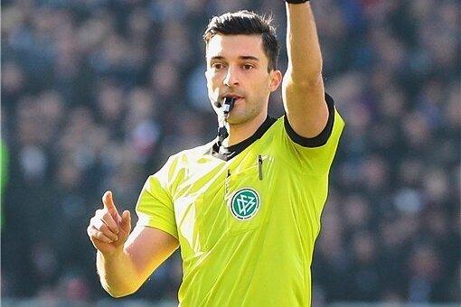 Seit 2016 pfeift Florian Badstübner Partien in der 2. Bundesliga, ab September darf der 29-Jährige auch im Oberhaus ran.