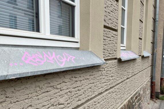 Zum Glück blieb der Putz der Fassade verschont.