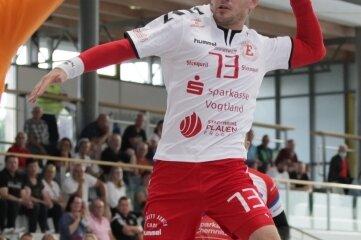 Dominik Pecek beim Wurf. Vier Tore steuerte der Tscheche zum Plauener Auftaktsieg bei.