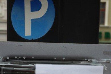 Die Stadt Frankenberg verzichtet jetzt auf die Parkgebühren an den von ihr bewirtschafteten Parkplätzen, unter anderem auf dem Markt. Um die Infektionsgefahr zu mindern wurden die Parkautomaten außer Betrieb genommen.
