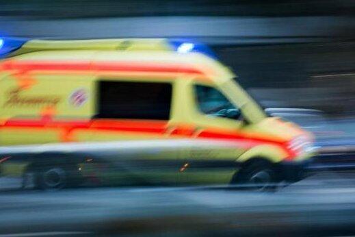 Vogtland: 45-Jährige stirbt bei Unfall auf B 92