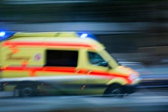 Frau stürzt beim Klettern ab - Großeinsatz von Feuerwehr und Rettern