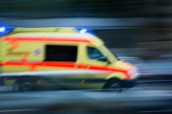 Ein 50-jähriger Bauarbeiter ist bei einem Arbeitsunfall auf dem Truppenübungsplatz in Marienberg am Donnerstag tödlich verletzt worden.