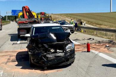 Zwei Pkw sind gegen Samstagmittag auf der Autobahn 4 bei Glauchau zusammengestoßen.