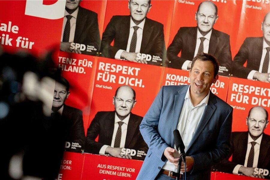 Alles auf Scholz: SPD-Generalsekretär Lars Klingbeil präsentiert die Plakatkampagne für die Bundestagswahl.