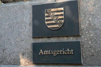 Vor dem Auerbacher Amtsgericht wurde am Freitag eine Beziehungstat verhandelt. Foto: Hendrik Schmidt/dpa-Zentralbild/dpa