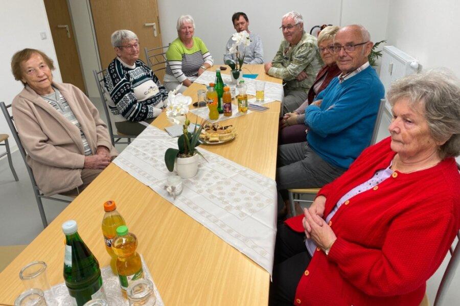 Künftig können die Bewohner der Gutenbergstraße 53 in Frankenberg regelmäßig den neu hergerichteten Gemeinschaftsraum im Untergeschoss fürs Zusammensein nutzen. Auch eine Küche ist eingebaut.