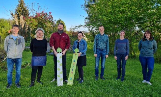 Das sind die Gründungsmitglieder des Niedersteinbacher Nistplatz-Vereins: Marcel Tischer, Kathrin Leberecht, Michael Börnig, Kerstin Gluthmann, Oliver Flemming, Claudia Mann und Sandra Tröger (v. l.).