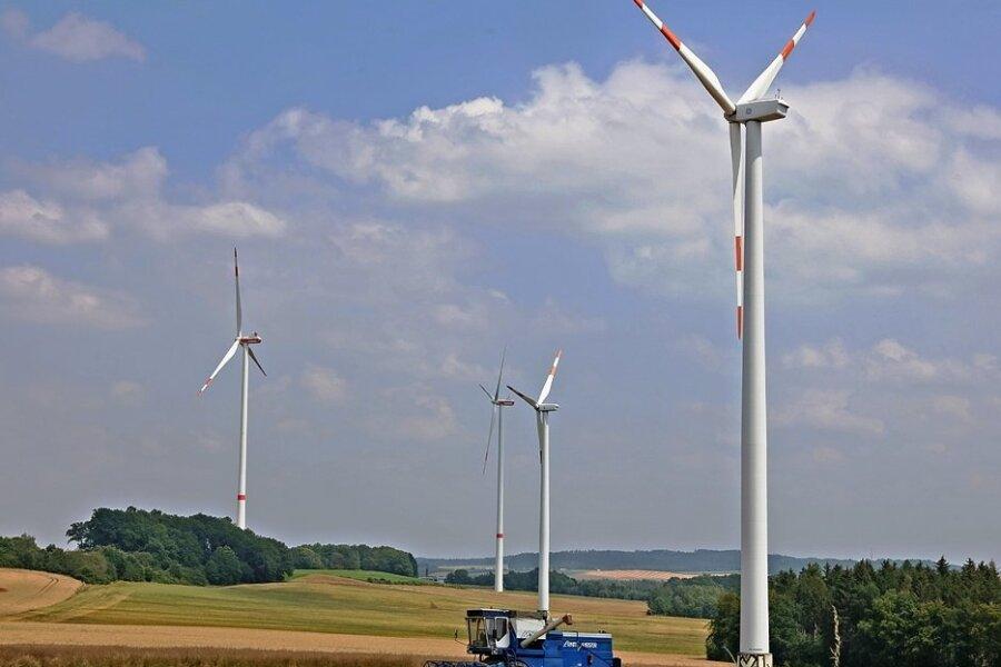 Nahe Reinsdorf stehen seit Jahren mehrere Windräder. Anwohner fühlen sich von ihnen gestört, weshalb sie vor Gericht zogen. In dieser Woche wurde verhandelt.