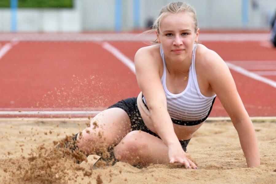 Aktuell trainiert die Glauchauer Leichtathletin Luise Hammer noch hauptsächlich auf den Anlagen des TVL Freiberg. Ab September absolviert sie ihre Übungen in den USA.