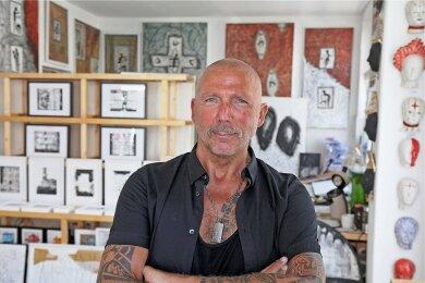 Ein Mann, eine Galerie: Tino Helbig in seinem in Zwickau neu eingerichteten Kunstraum.
