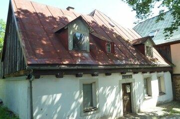 Das Gebäude an der Adorfer Hellgasse steht zum Verkauf. Die Stadt will 15.000 Euro für die Immobilie.