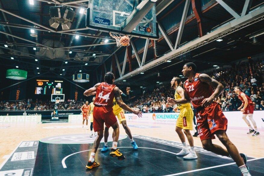 Die Niners im Spiel gegen den EWE Baskets aus Oldenburg.