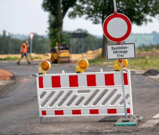 Die B107 ist zwischen Rochlitz und Colditz bei Seupahn wegen Straßenbauarbeiten voll gesperrt.