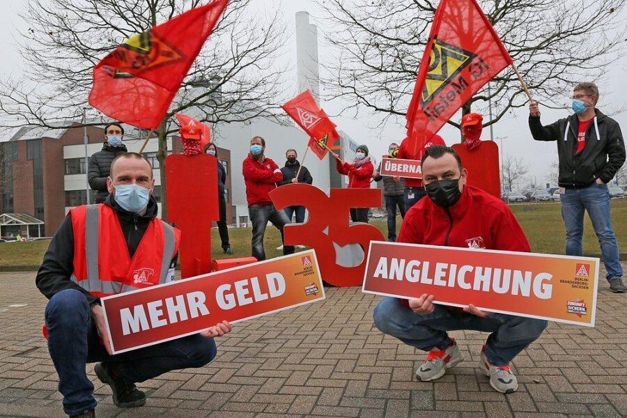 Die Gewerkschaft will unter anderem für mehr Geld und weniger Wochenarbeitszeit in den Ausstand treten.