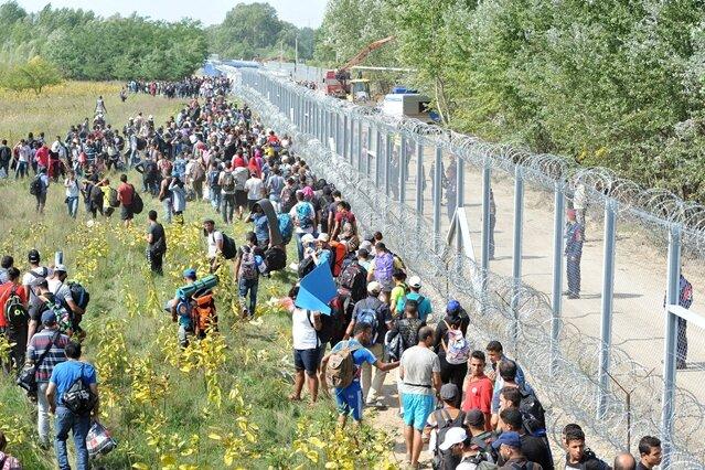 Ungarn schottet sich ab - Merkel will EU-Sondergipfel