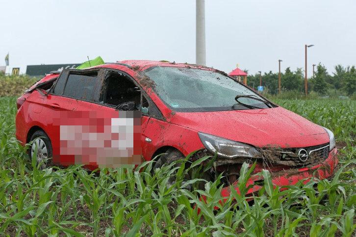 Zwei Unfälle auf der regennassen A 4: Ein Schwerverletzter