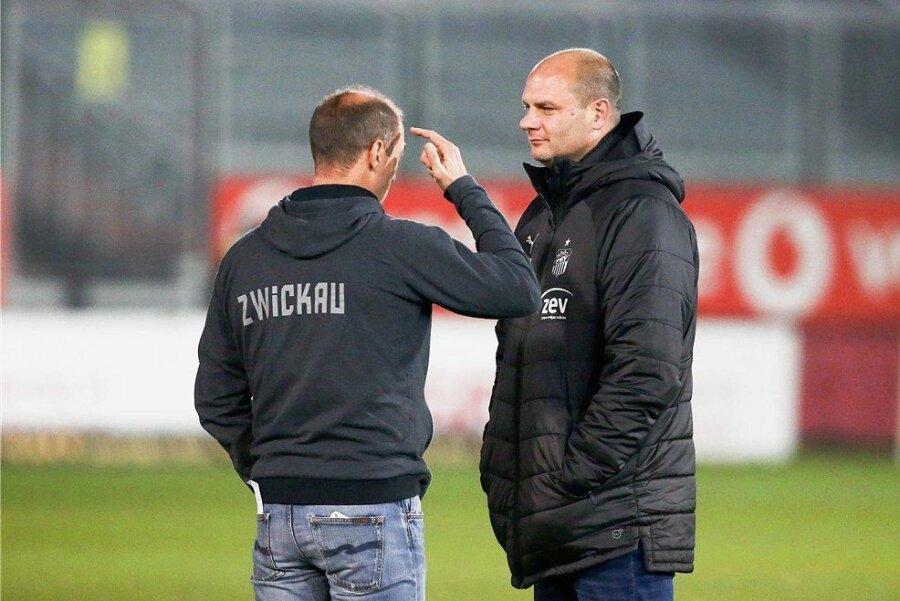 Sportdirektor David Wagner (r.), hier mit Trainer Joe Enochs, verlässt den FSV Zwickau zum Saisonende.