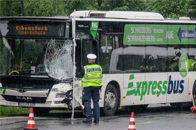 Der Bus war unterwegs zur Oberschule Eibenstock.