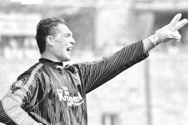 Olegs Karavayevs im Trikot des FSV Zwickau am 24. August 1997 beim Spiel gegen den FC St. Pauli. Am Ende stand es 4:0 für den FSV.