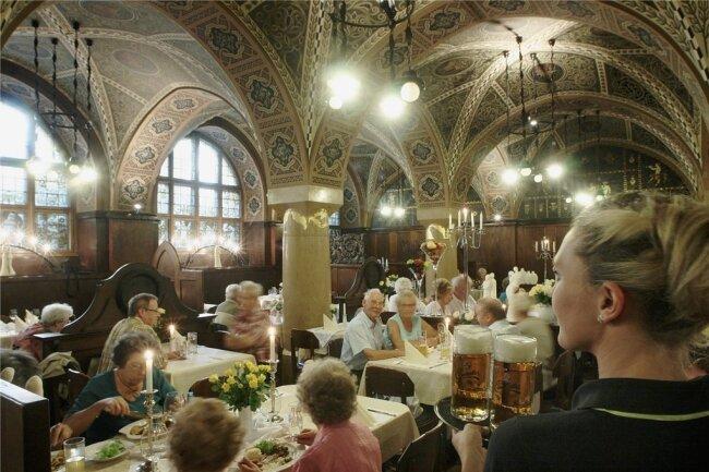 Weinstube im Ratskeller: Das Restaurant im Untergeschoss des Rathauses muss Anfang Juni schließen, weil Bauarbeiten anstehen.