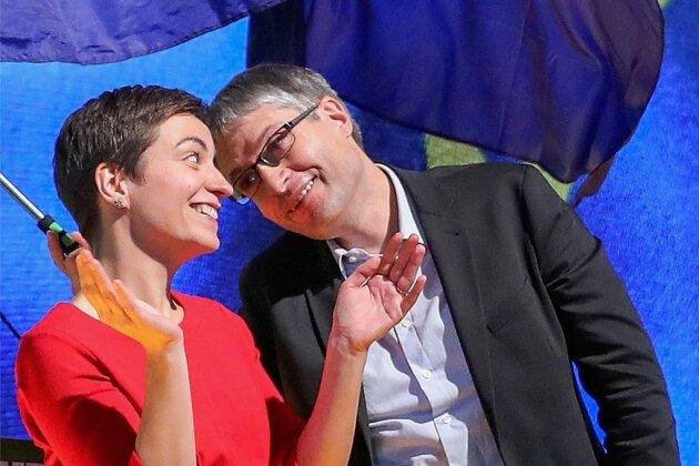Die frisch gekürten Kandidaten der Grünen für die Europawahl: Ska Keller und Sven Giegold freuen sich über 87,6 beziehungsweise 97,9 Prozent der Delegiertenstimmen beim Bundesparteitag in Leipzig.